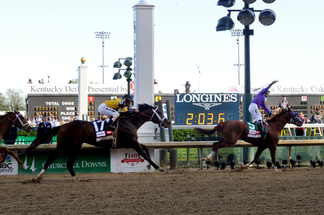 Longines Flat Racing Event: California Chrome wins the 140 Kentucky Derby
