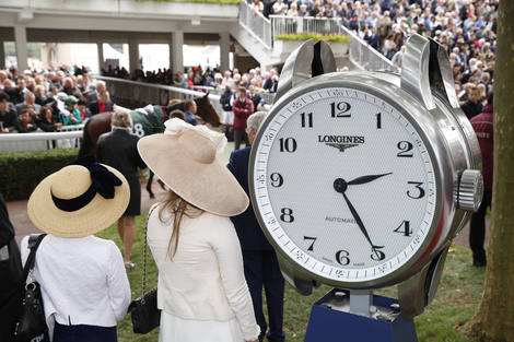 Longines Flat Racing Event: Longines precision timing for the Qatar Prix de l'Arc de Triomphe (Paris, FRANCE)