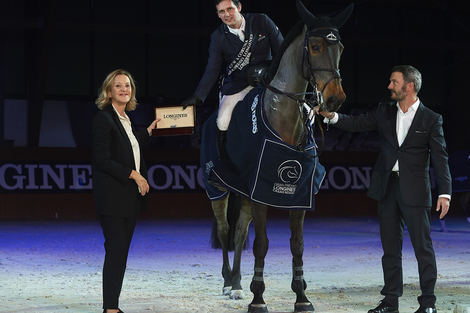 Longines Show Jumping Event: Carlos Enrique Lopez Lizarazo and Admara 2 galloped to victory at the Longines FEI World Cup™ Jumping in La Coruña
