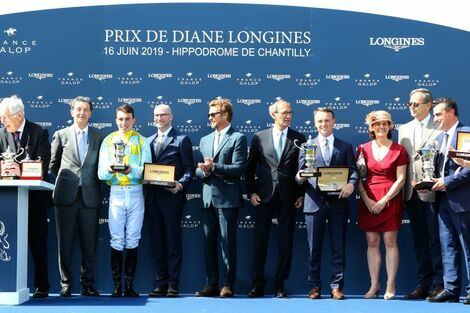A remarkable 2019 edition of the Prix de Diane Longines in presence of Longines Ambassador of Elegance Simon Baker
