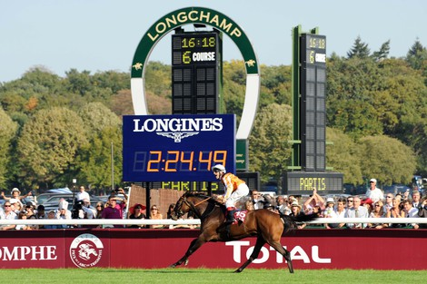 Longines Flat Racing Event: Recordbreaker Danedream wins the Qatar Prix de l'Arc de Triomphe
