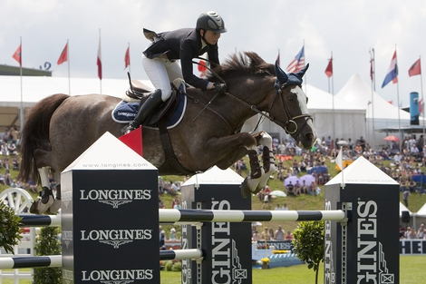 Longines Show Jumping Event: Hong Kong Masters Signs up Longines as Title Sponsor - a commitment of very long duration