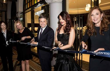 Longines Commonwealth Games Event: Longines and its Ambassador of Elegance Aishwarya Rai Bachchan welcome the 2018 Queen's Baton to the brand new Longines boutique in Sydney