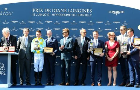 Longines Flat Racing Event: A remarkable 2019 edition of the Prix de Diane Longines in presence of Longines Ambassador of Elegance Simon Baker