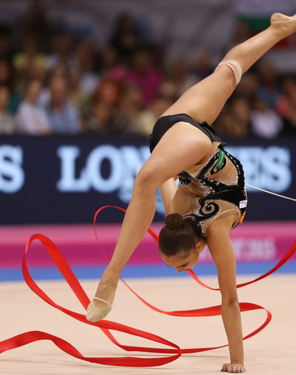 Longines Gymnastics Event: Margarita Mamun awarded with the Longines Prize for Elegance at the 34th Rhythmic Gymnastics World Championships 2015