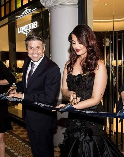 Longines and its Ambassador of Elegance Aishwarya Rai Bachchan welcome the 2018 Queen's Baton to the brand new Longines boutique in Sydney