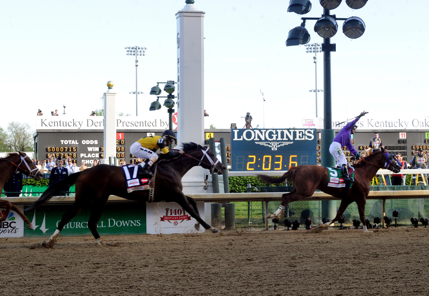 Longines Flat Racing Event: California Chrome wins the 140 Kentucky Derby 1
