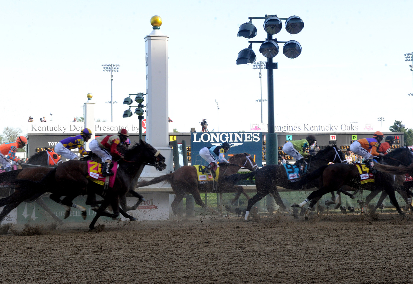 Longines Flat Racing Event: California Chrome wins the 140 Kentucky Derby 2