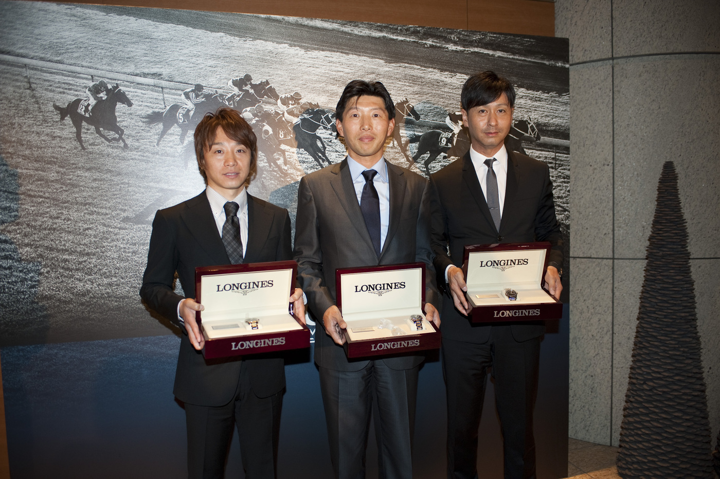 Longines Flat Racing Event: Longines and the International Federation of Horseracing Authorities (IFHA) honoured ORFEVRE as the co-third highest-rated horse in the world for 2013 5