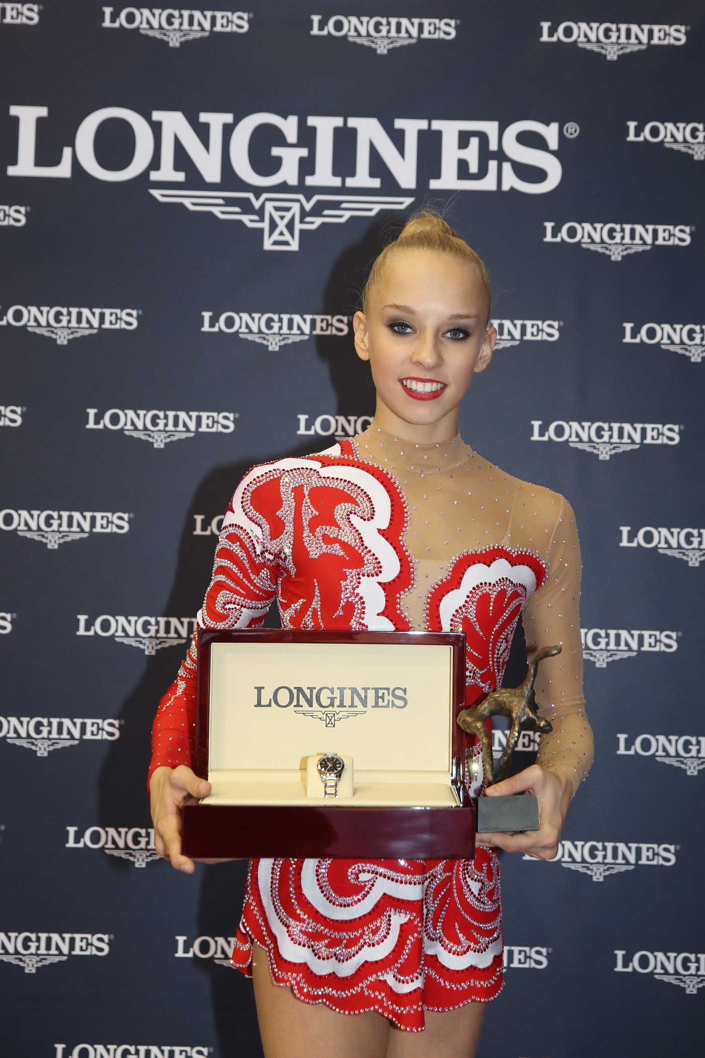 Longines Gymnastics Event: The Longines Prize for Elegance awarded to Yana Kudryavtseva at the 33rd Rhythmic Gymnastics World Championships 2014 in Izmir 3