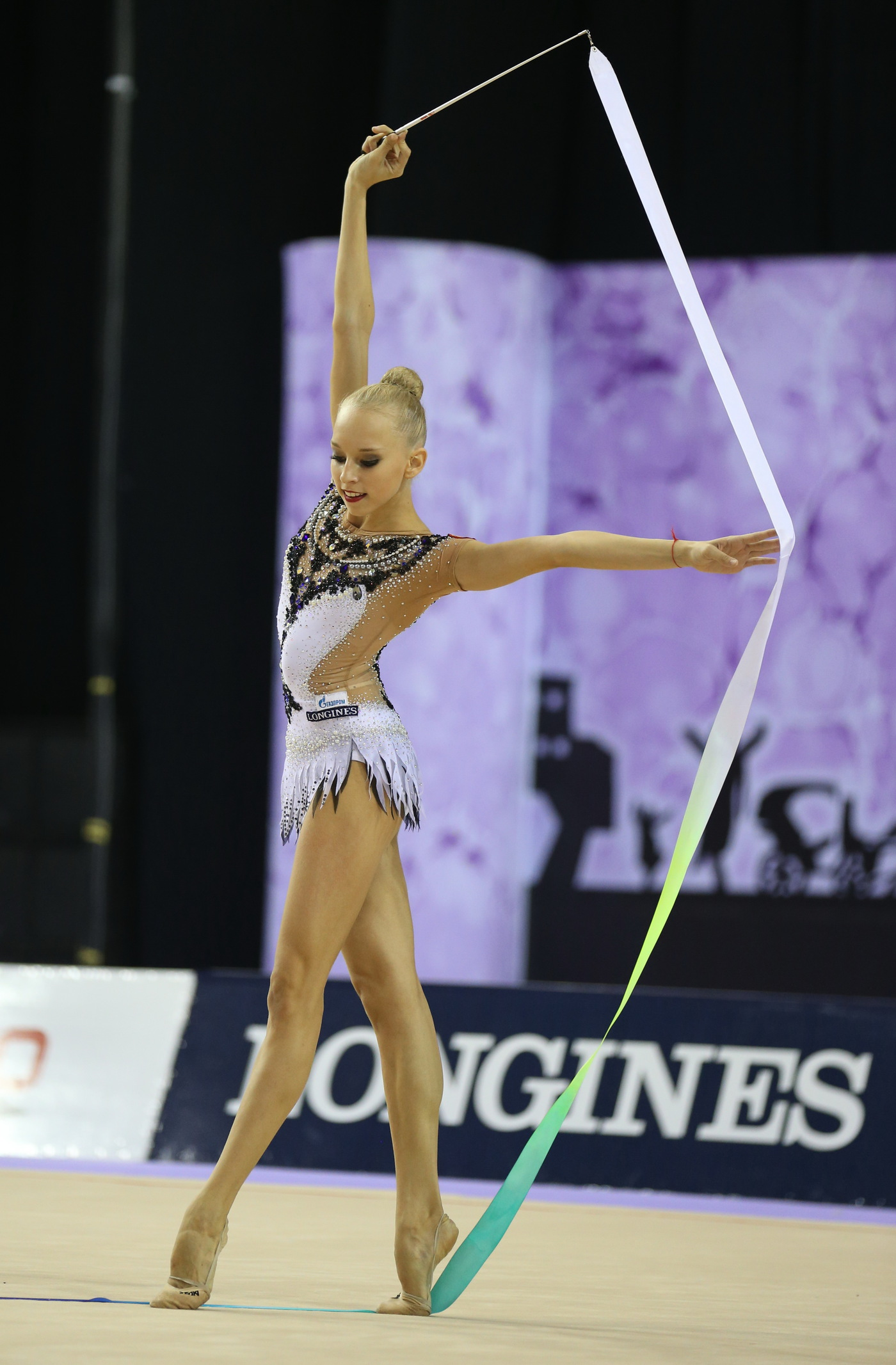 Longines Gymnastics Event: The Longines Prize for Elegance awarded to Yana Kudryavtseva at the 33rd Rhythmic Gymnastics World Championships 2014 in Izmir 5