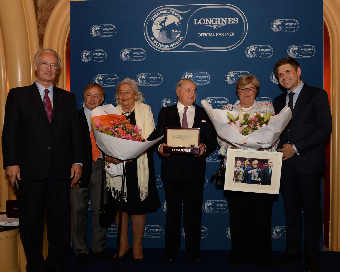 Longines Flat Racing Event: Alec Head receives the Longines and IFHA International Award of Merit 2014 (Paris, FRANCE)  4
