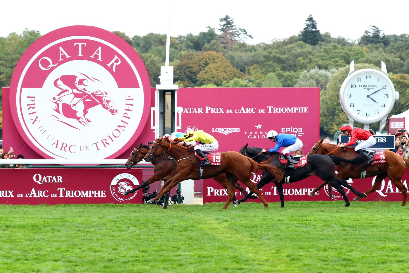 Longines Flat Racing Event: Longines times the Qatar Prix de l'Arc de Triomphe  back at ParisLongchamp 2