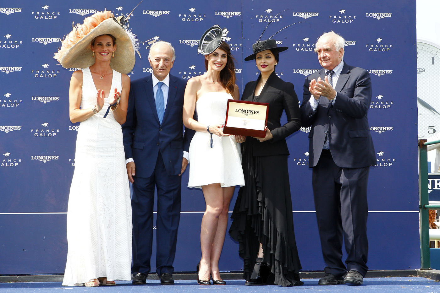 Longines Flat Racing Event: The Prix de Diane Longines – 45'000 spectators, 9 races, 1 Queen of Elegance and 1 King of the Prix de Diane Longines 4