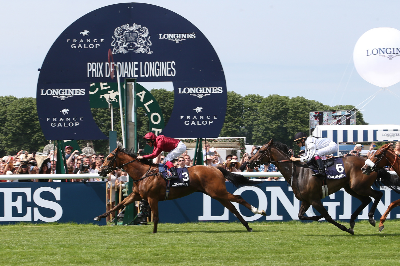 Longines Flat Racing Event: The Prix de Diane Longines – 45'000 spectators, 9 races, 1 Queen of Elegance and 1 King of the Prix de Diane Longines 5