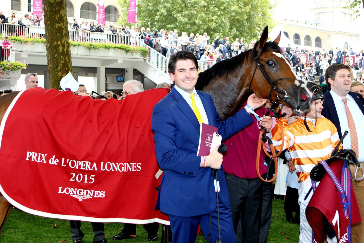 Longines Flat Racing Event: Qatar Prix de l'Arc de Triomphe : a thrilling race day timed by Longines  3
