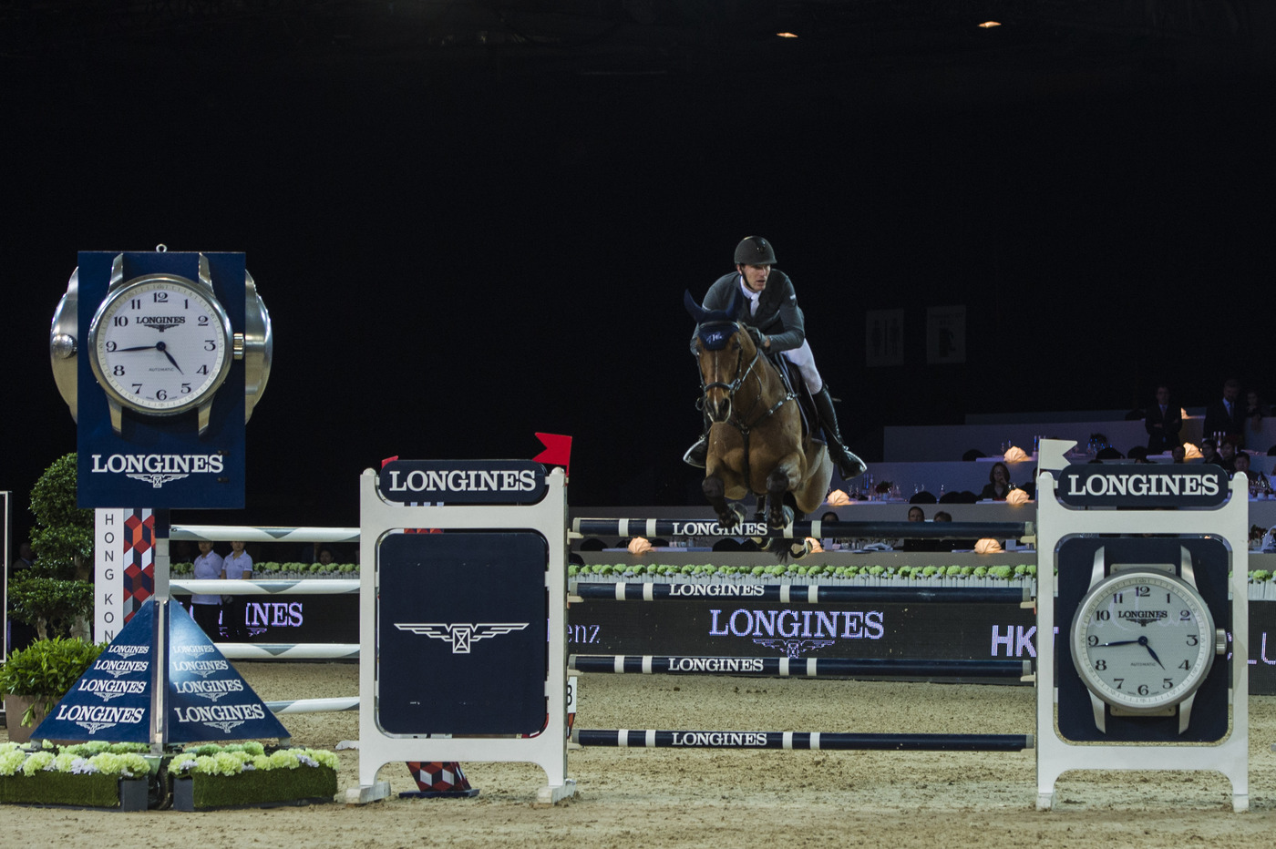 Longines Show Jumping Event: Marco Kutscher achieved the incredible feat of winning the bonus of the Longines Masters 3