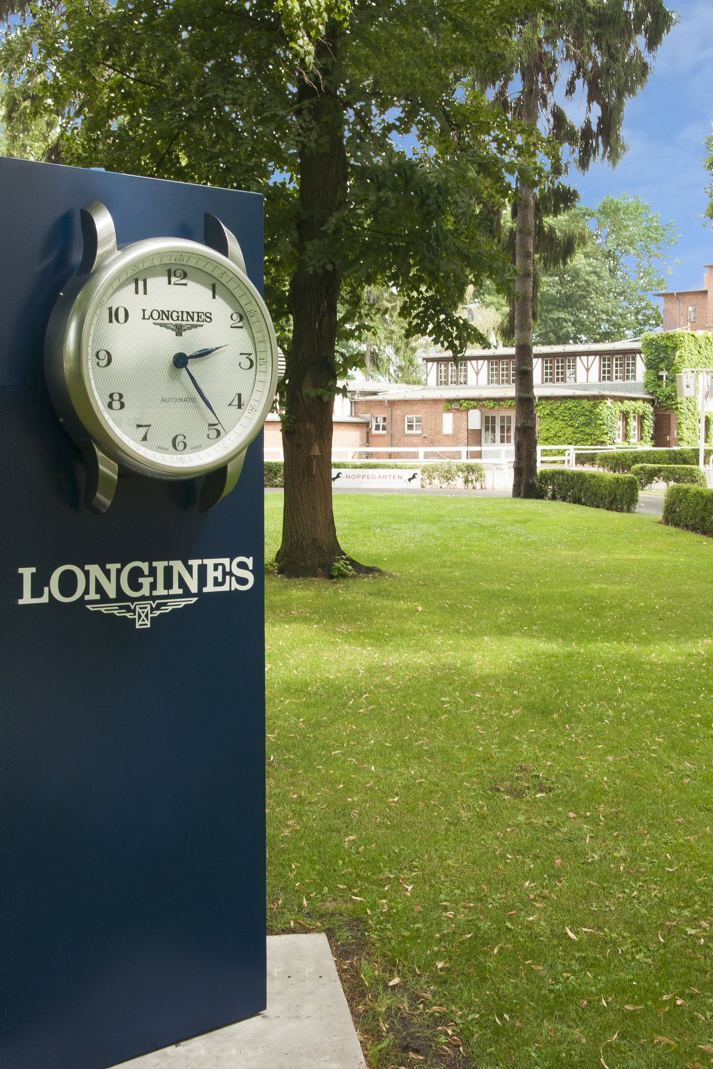 Longines Flat Racing Event: Longines announces its partnership with Berlin-Hoppegarten Racecourse and will lend its name to the Longines Grosser Preis von Berlin 1