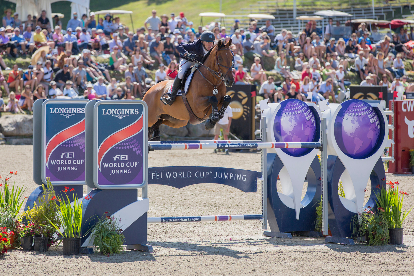 Longines Show Jumping Event: New season of the Longines FEI World CupTM Jumping North American League opens with the victory of Jonathan McCrea in Bromont 3