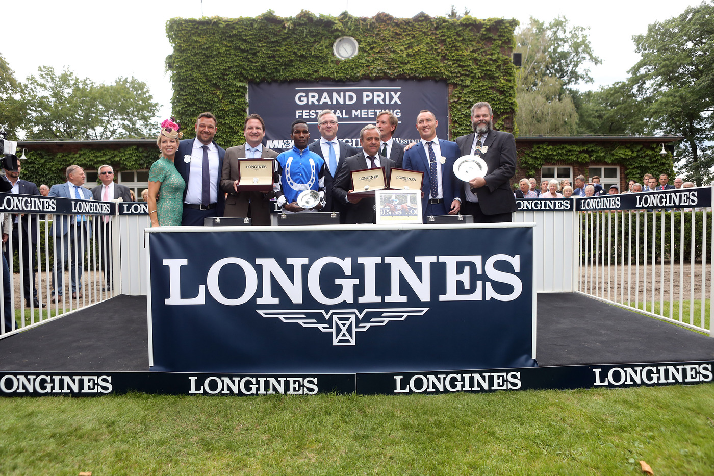 Longines Flat Racing Event: The Longines Positioning System used for the first time in Europe for the Longines Grosser Preis von Berlin 2