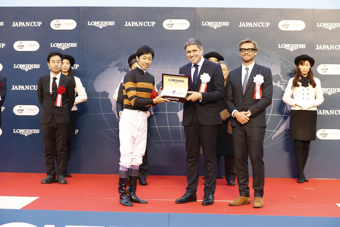 Longines Flat Racing Event: Kitasan Black and Yutaka Take caught the spotlight at 2016 Japan Cup in association with Longines  2