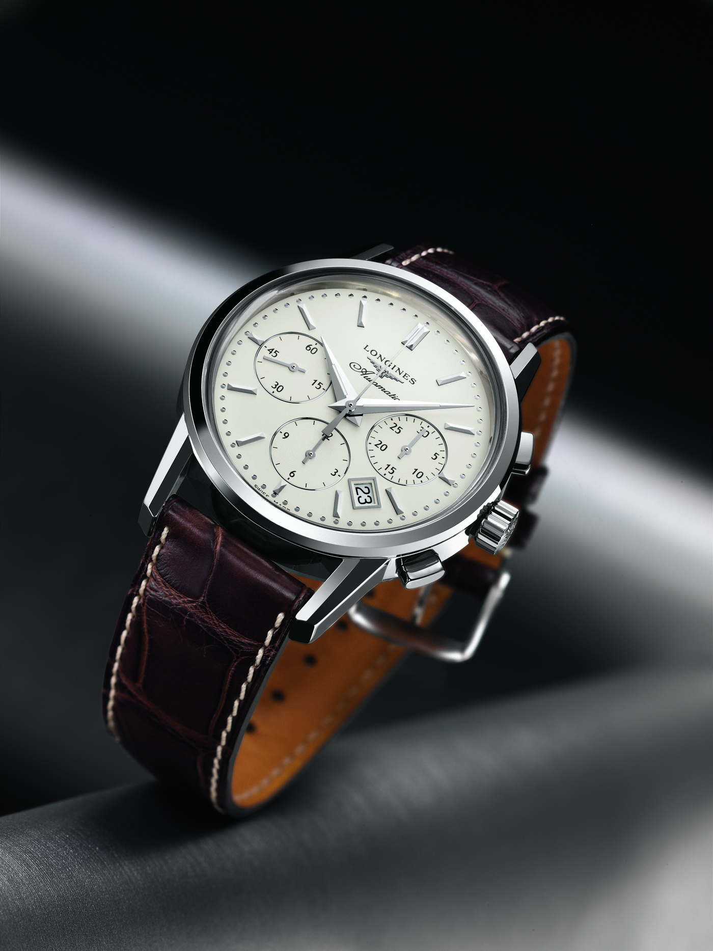 Longines Flat Racing Event: THE SWISS WATCH BRAND LONGINES PARTNERS WITH CHURCHILL DOWNS INCORPORATED AS 'OFFICIAL TIMEKEEPER' OF KENTUCKY DERBY®, HOME TRACK 2