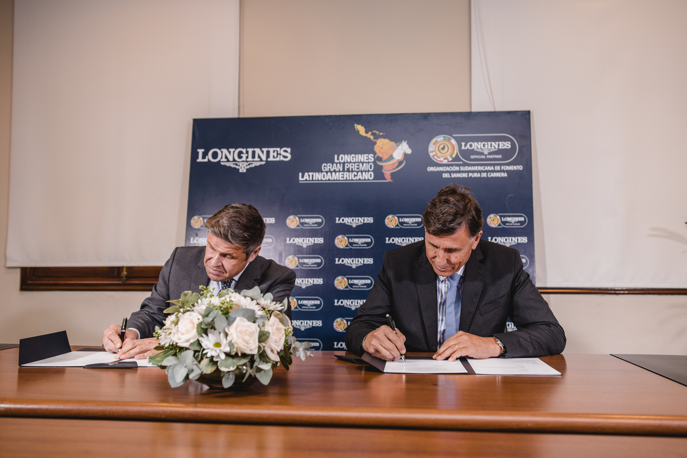 Longines Flat Racing Event: Roman Rosso and Wilson Moreyra claimed victory at the 2018 Longines Gran Premio Latinoamericano  3
