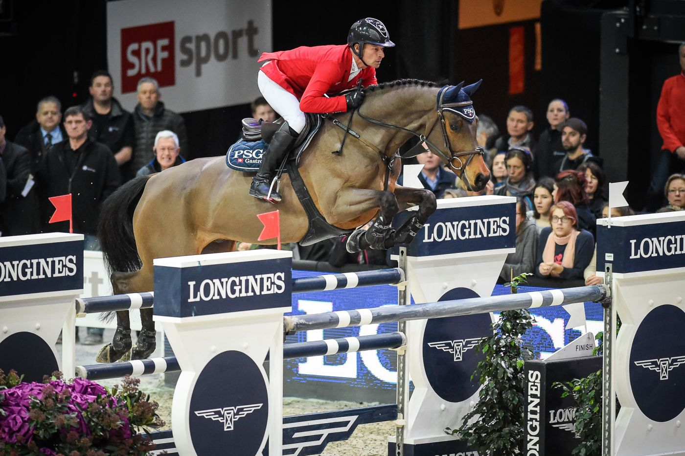 Longines Show Jumping Event: Pius Schwizer wins the Swiss leg of the Longines FEI World Cup™ in Zurich 4