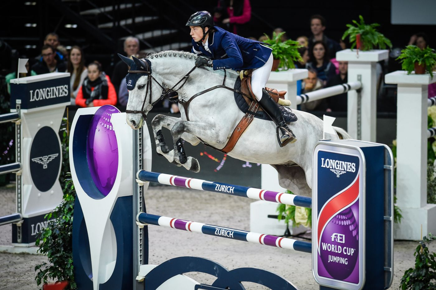 Longines Show Jumping Event: Pius Schwizer wins the Swiss leg of the Longines FEI World Cup™ in Zurich 2