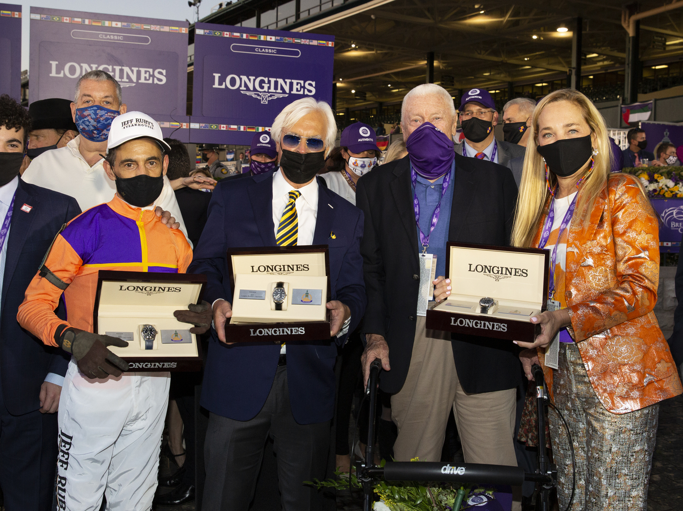 Longines Flat Racing Event: Authentic raced into victory at the 2020 Longines Breeders Cup Classic 5