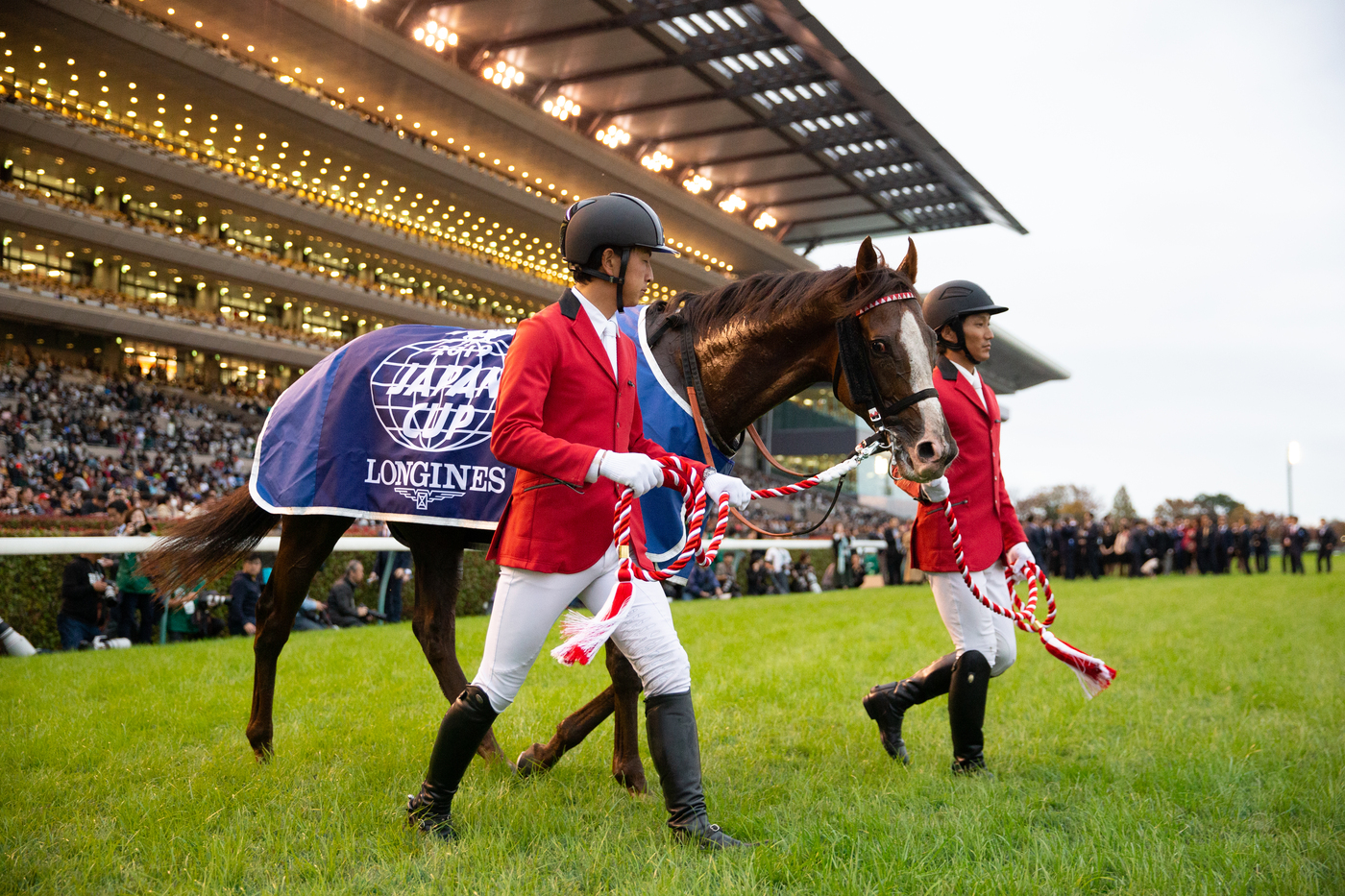 Longines Flat Racing Event: Suave Richard galloped to victory in the 2019 edition of the Japan Cup in association with Longines 5