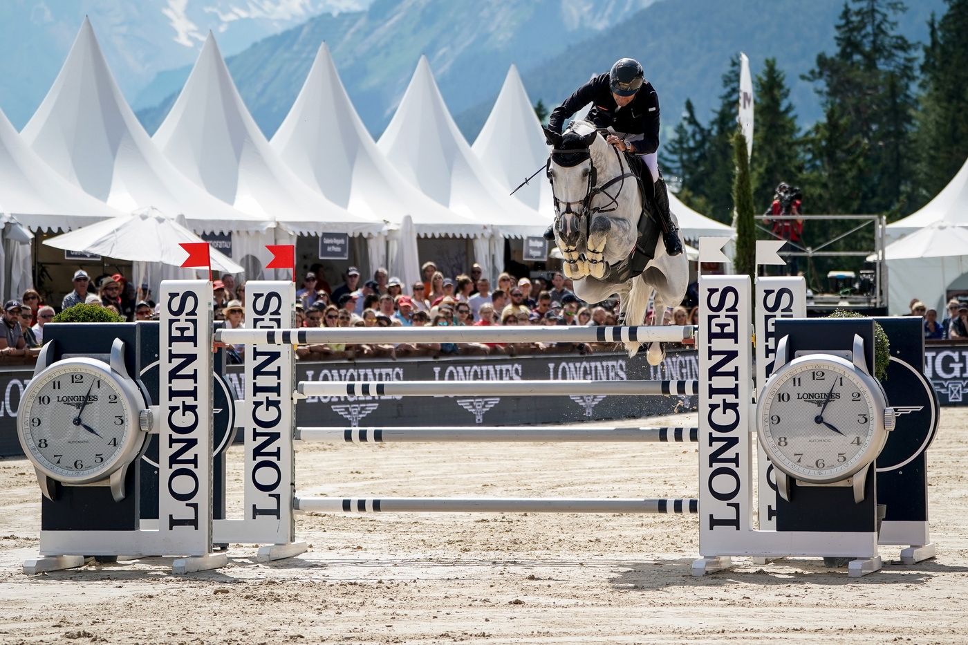 Longines Show Jumping Event: After four days of captivating competitions, Piergiorgio Bucci (ITA) won the Grand Prix Longines in Crans-Montana 3