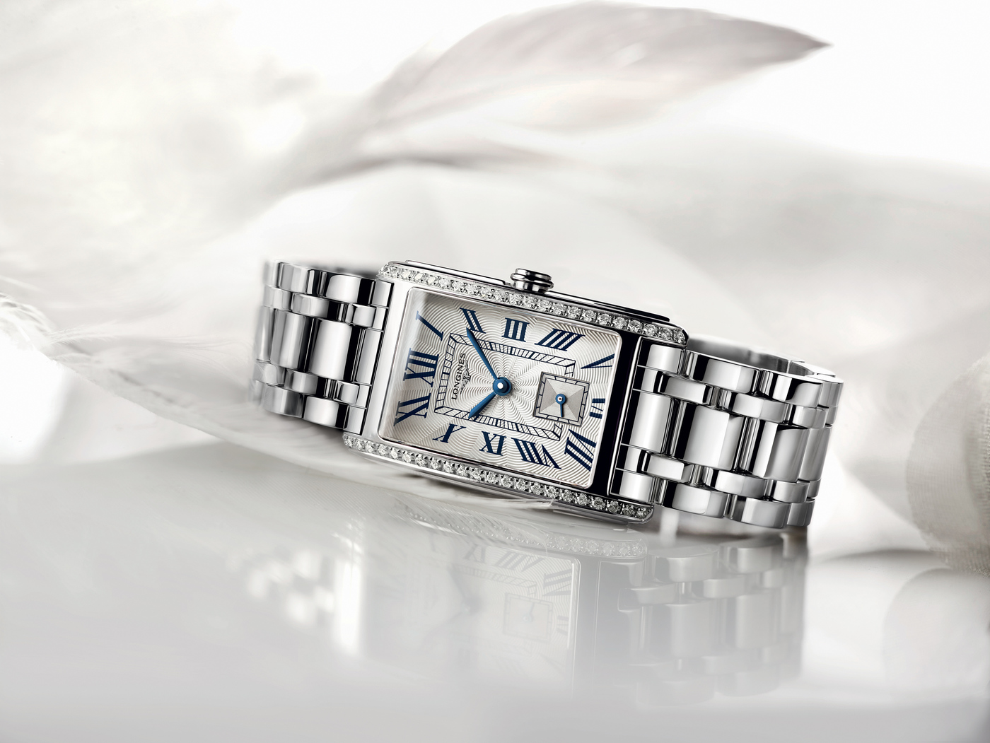 Longines Corporate Event: Longines puts the Longines DolceVita collection in the spotlight during a Garden Party  10