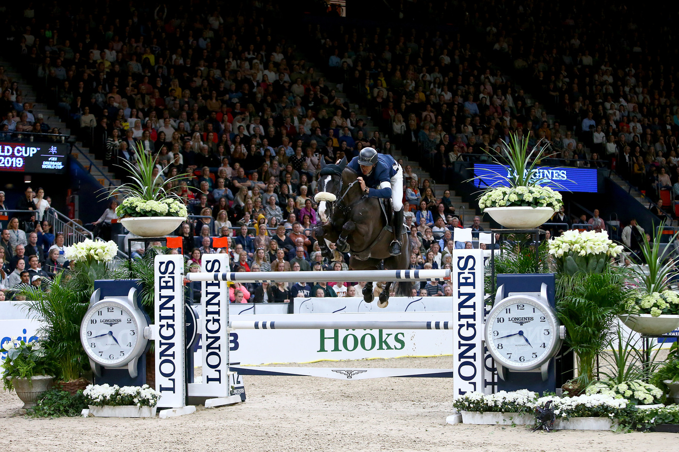 Longines Show Jumping Event: Steve Guerdat and Alamo took brilliant victory at the 2019 Longines FEI Jumping World CupTM Final 7