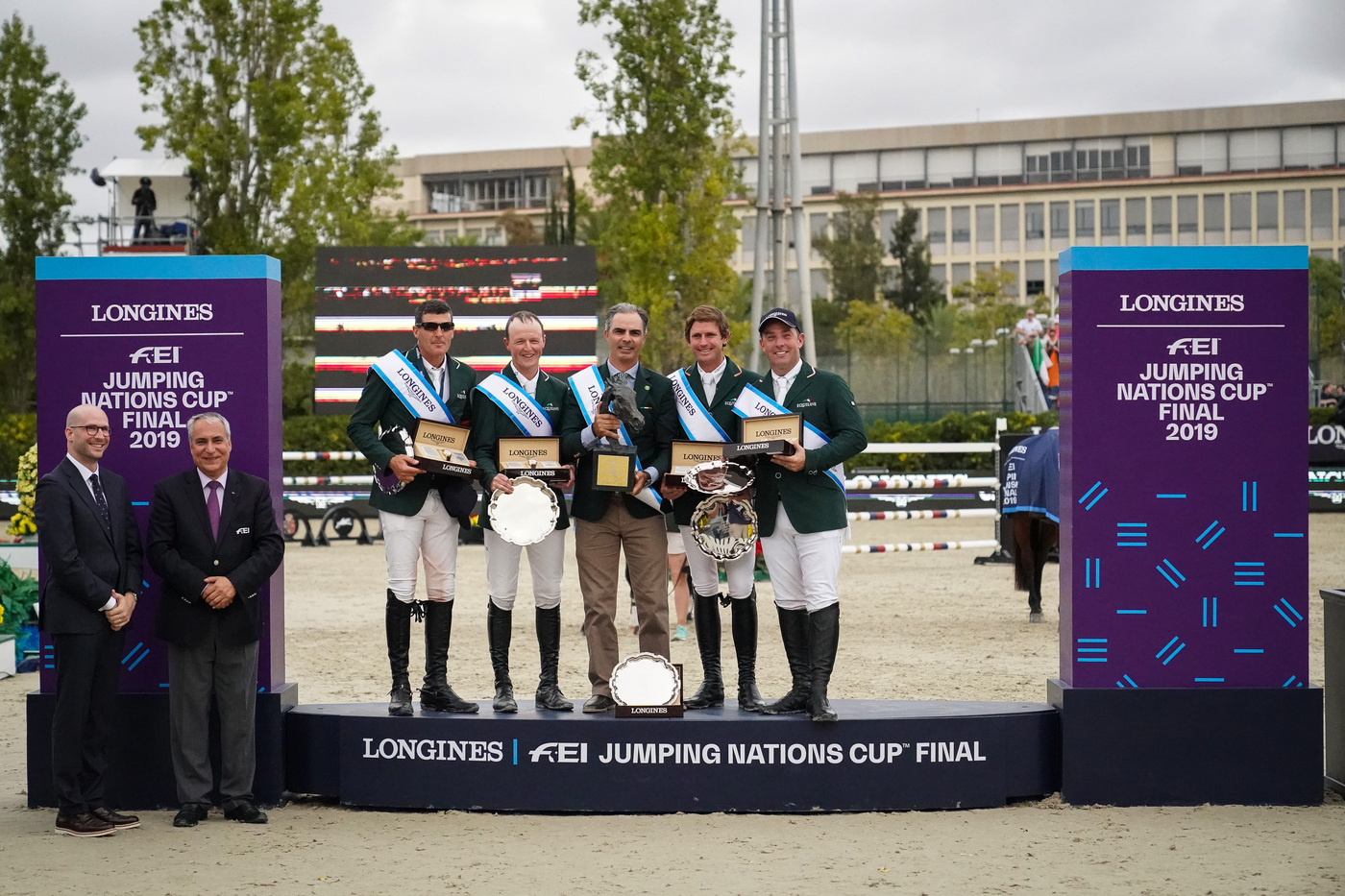 Longines Equestrian Event: Thrilling sports performances and emotional moments at the Longines FEI Jumping Nations CupTM Final with Longines Ambassador of Elegance Simon Baker 1