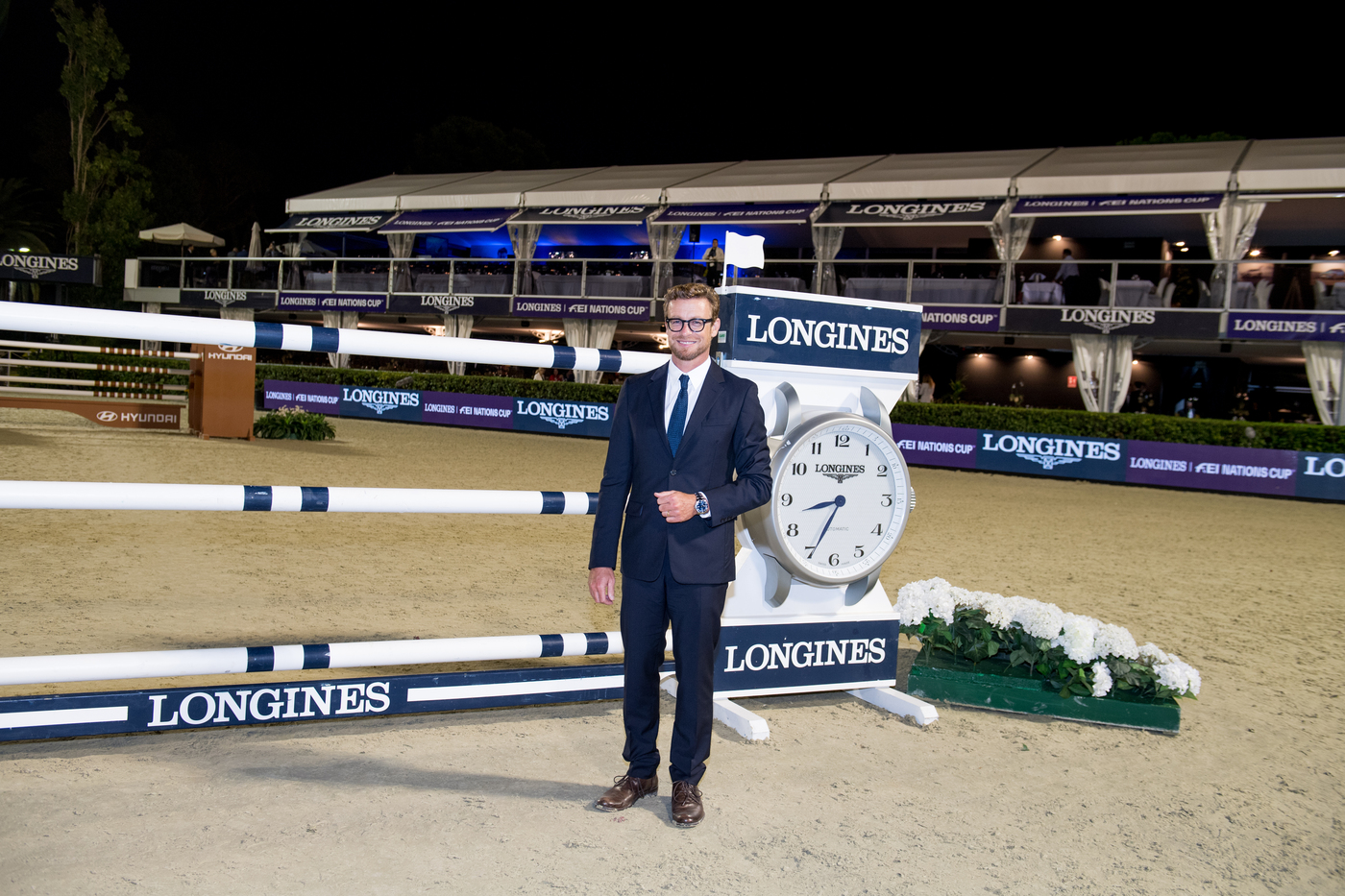 Longines Equestrian Event: Thrilling sports performances and emotional moments at the Longines FEI Jumping Nations CupTM Final with Longines Ambassador of Elegance Simon Baker 8