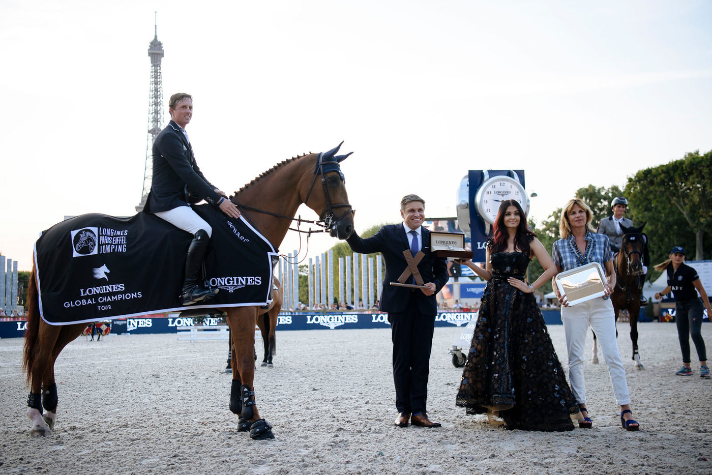 Longines Show Jumping Event: Longines Paris Eiffel Jumping: A thrilling weekend of competition filled with Performance and Elegance  3