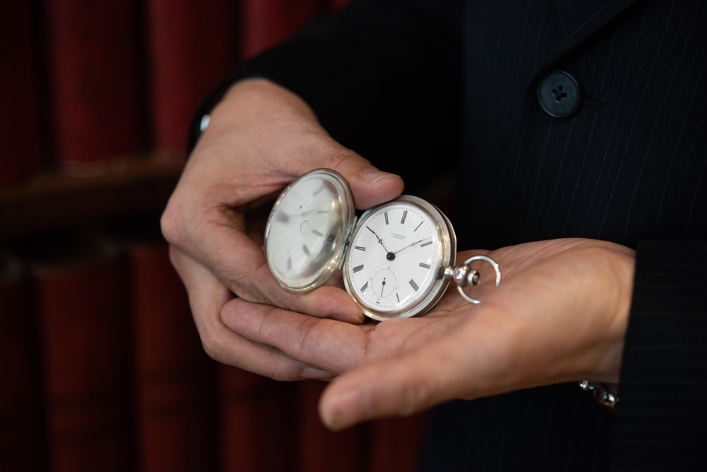 Longines Corporate Event: A collector finds the oldest Longines watch known to date, a historical discovery for the brand 5