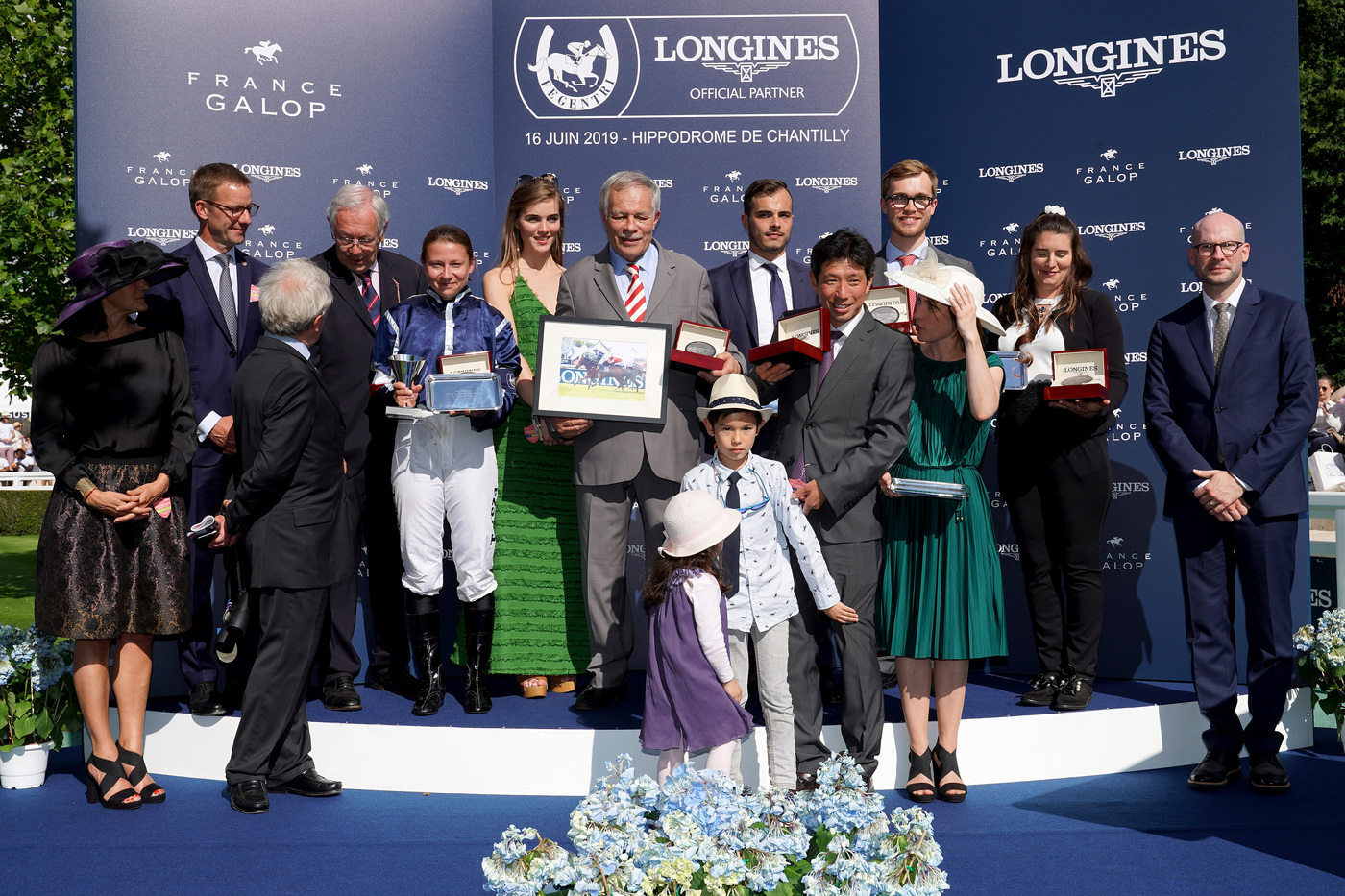Longines Flat Racing Event: A remarkable 2019 edition of the Prix de Diane Longines in presence of Longines Ambassador of Elegance Simon Baker  4