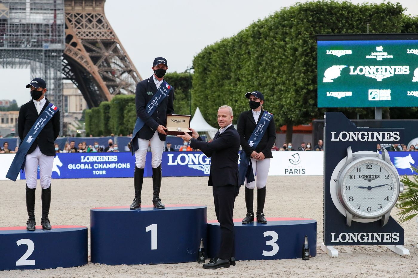 Longines Show Jumping Event: Longines Paris Eiffel Jumping:  Back at the foot of the Iron Lady 2
