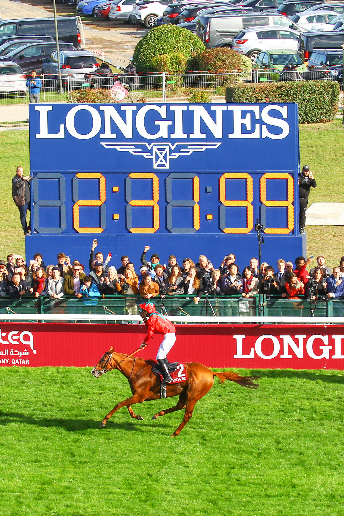 Longines Flat Racing Event: Waldgeist wins the 98th edition of the Qatar Prix de l'Arc de Triomphe 5