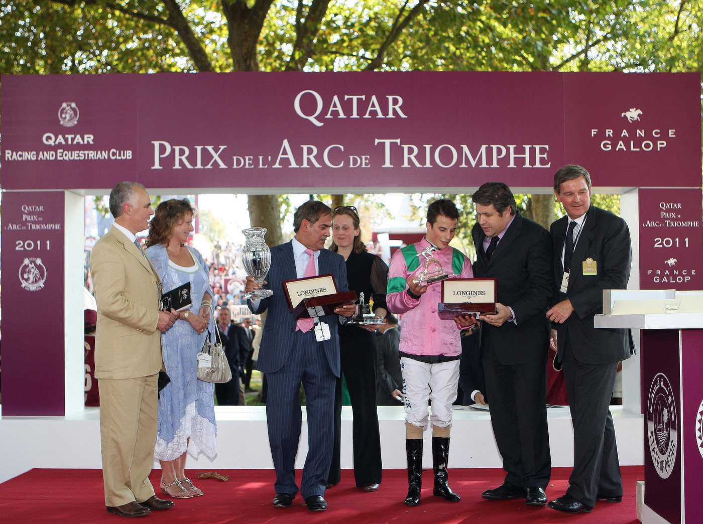 Longines Flat Racing Event: Recordbreaker Danedream wins the Qatar Prix de l'Arc de Triomphe 3