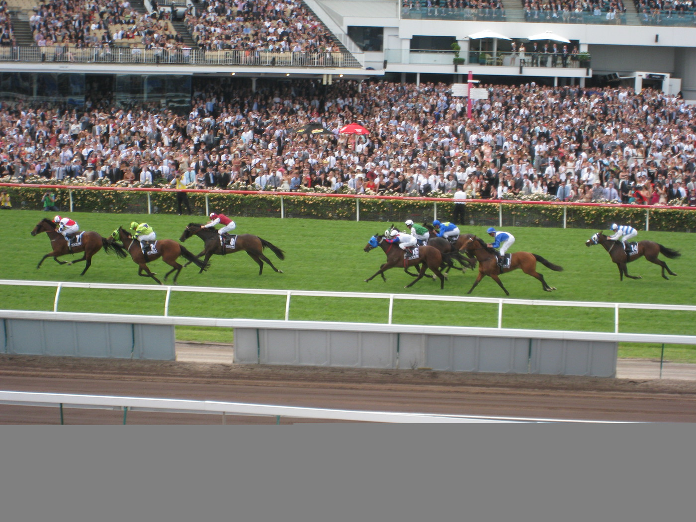 Longines Flat Racing Event: Elegance reigns at Derby Day as part of 2011 Melbourne Cup Carnival 1