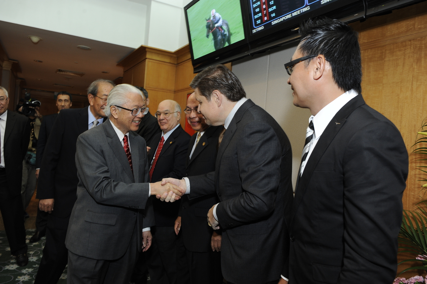 Longines Flat Racing Event: LONGINES SINGAPORE GOLD CUP 2011 raises S$241,136 for the Chaoyang School 11