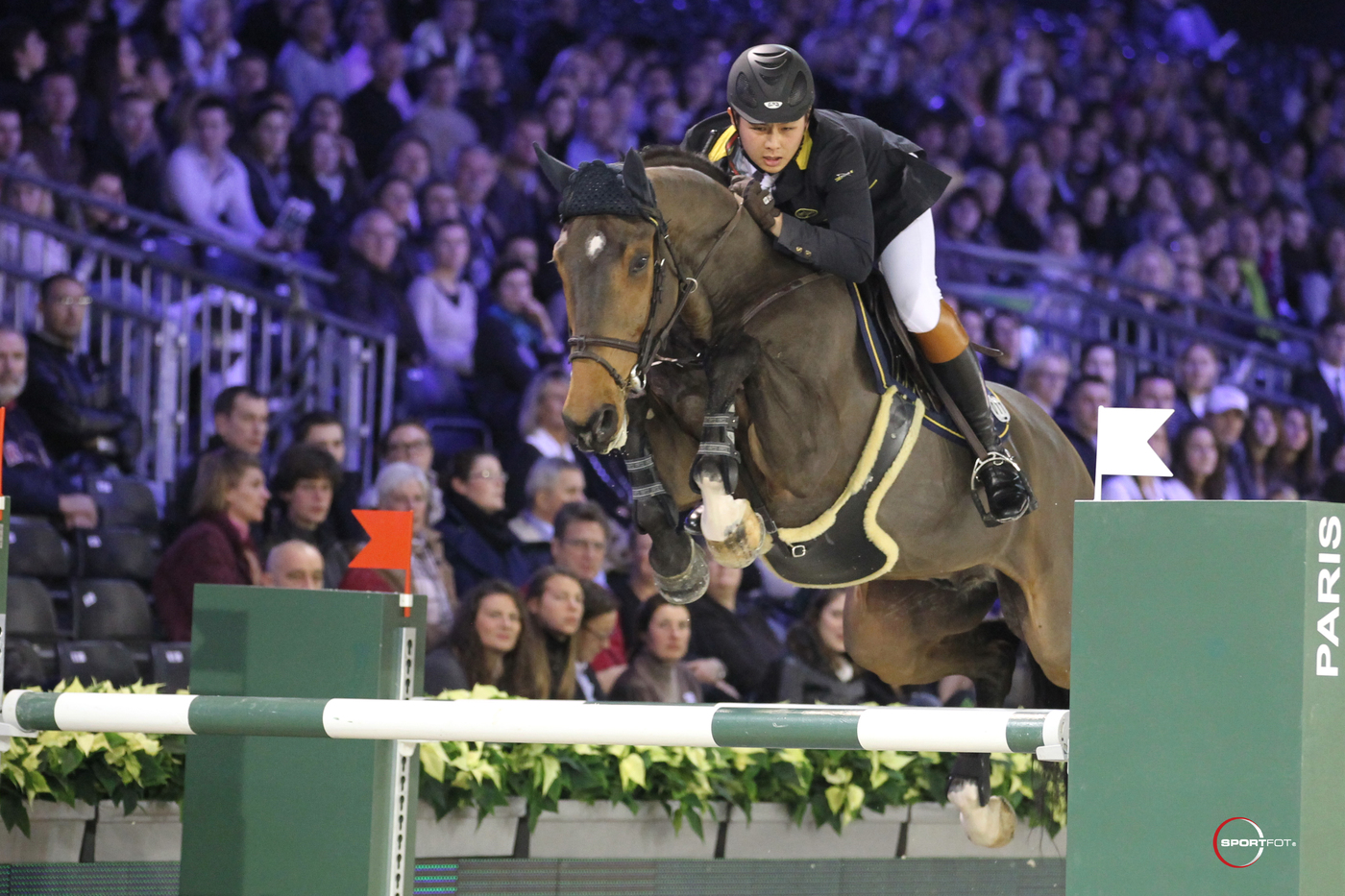 Longines Show Jumping Event: Hong Kong Masters Signs up Longines as Title Sponsor - a commitment of very long duration 2