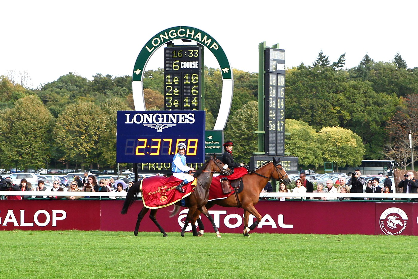 Longines Flat Racing Event: Qatar Prix de l'Arc de Triomphe: Longines at the service of the race of the year 1