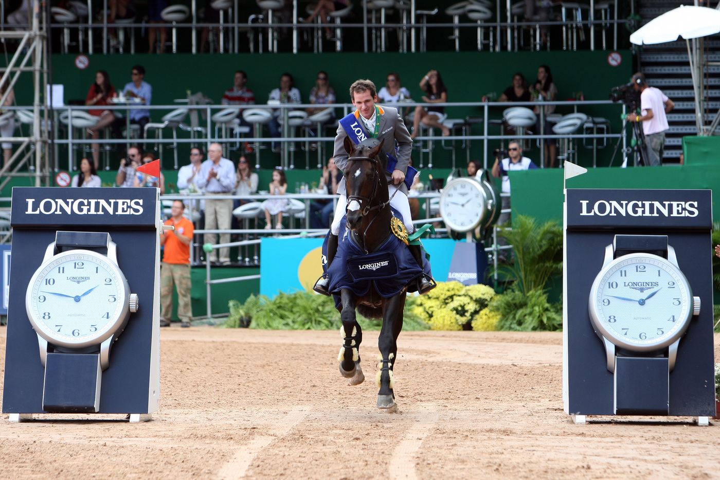 Longines Show Jumping Event: Longines, official timekeeper of the Athina Onassis Horse Show 3