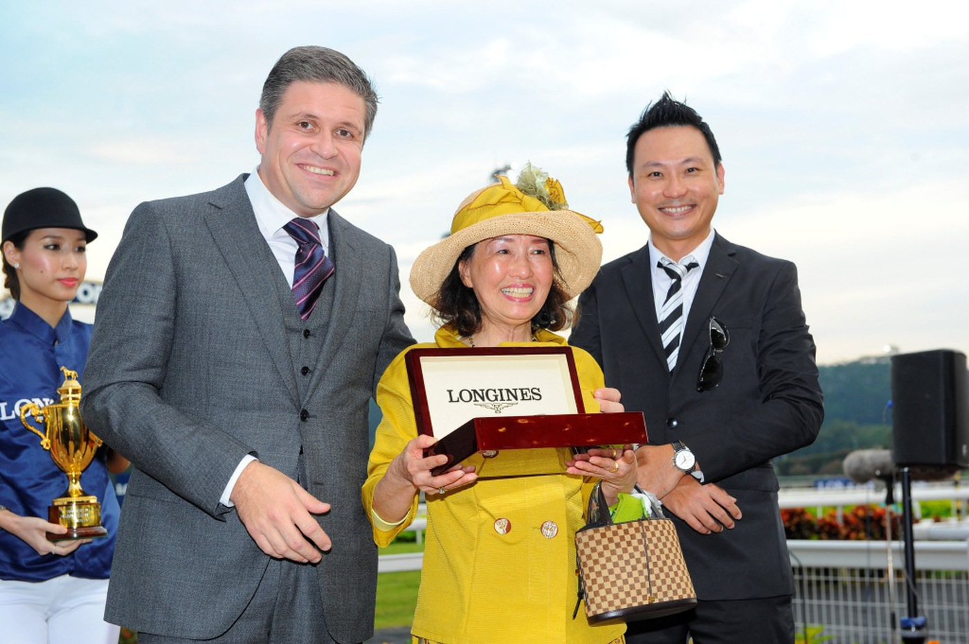 Longines Flat Racing Event: Longines Singapore Gold Cup 2012 raises S$236,728 14