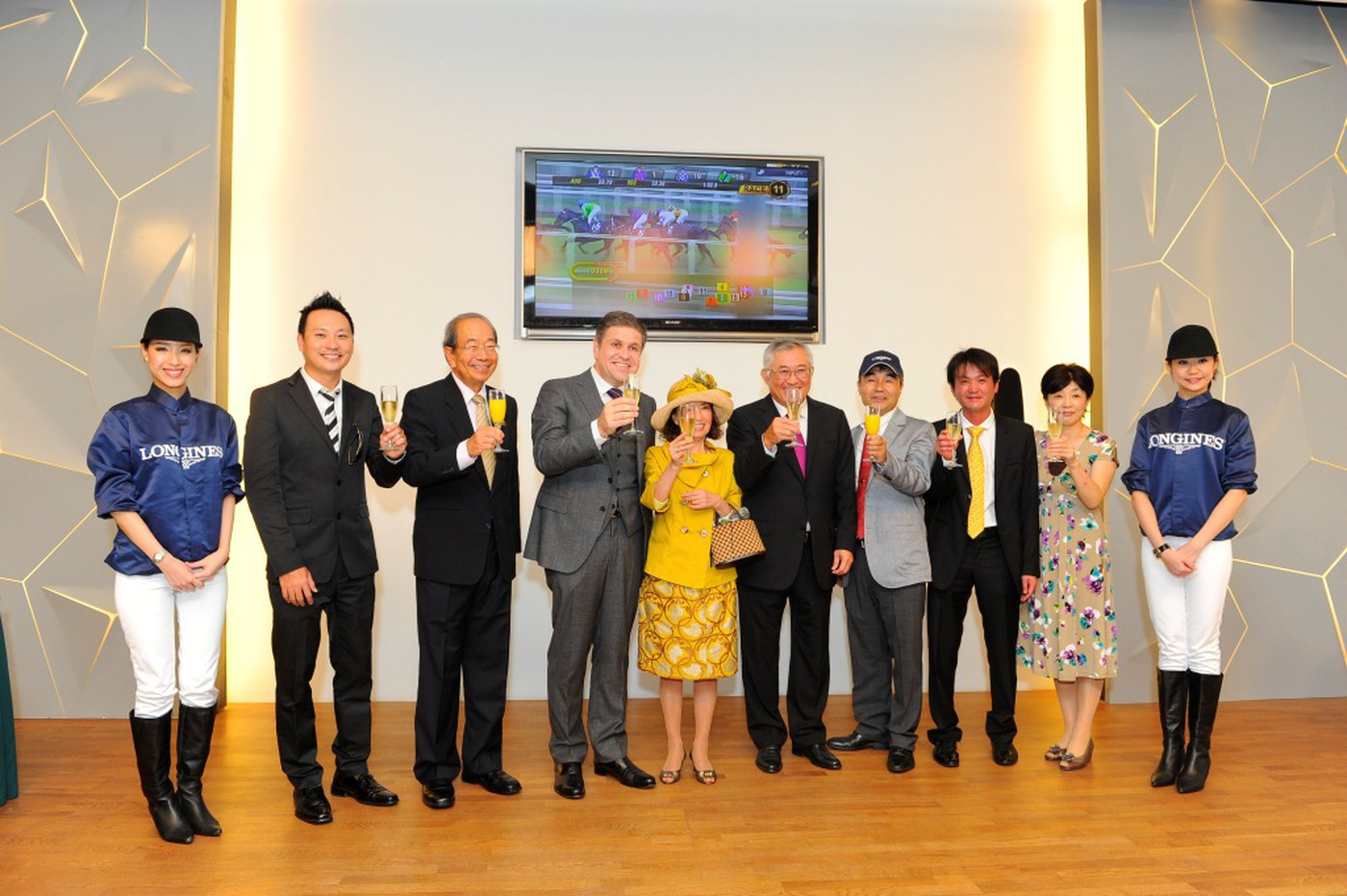 Longines Flat Racing Event: Longines Singapore Gold Cup 2012 raises S$236,728 17