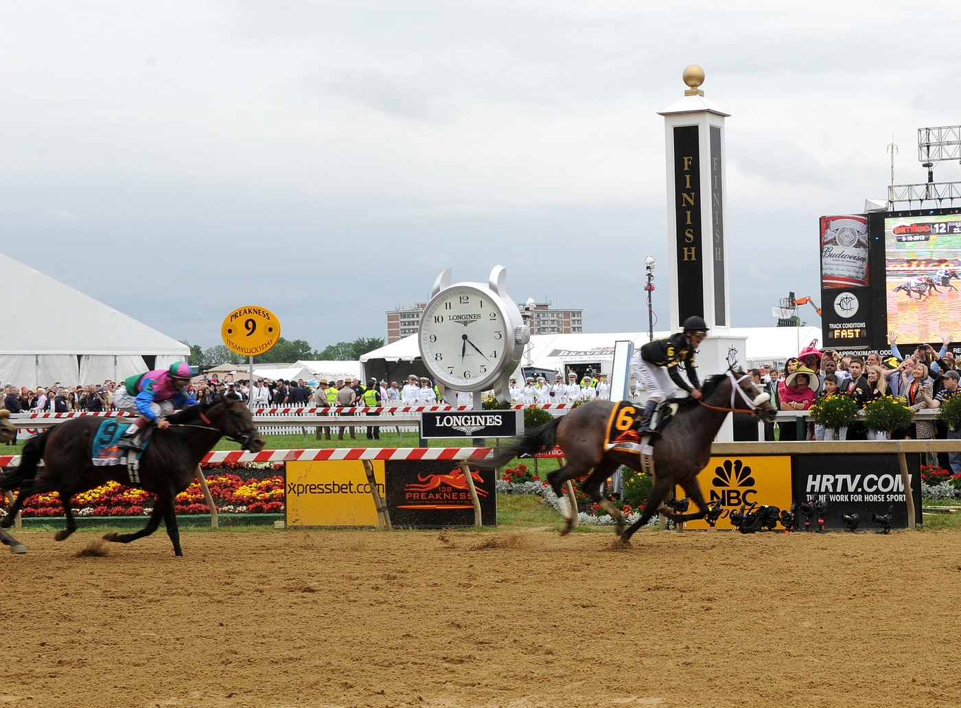 Longines Flat Racing Event: Longines awards luxury timepieces to owner, trainer and jockey of Preakness Stakes winner, Oxbow 1